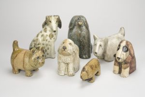 ① リサ・ラーソン《犬(ユニークピース)》(2000年代) リサ・ラーソンスタジオ リサ・ラーソン蔵 © Lisa Larson / Alvaro Campo
